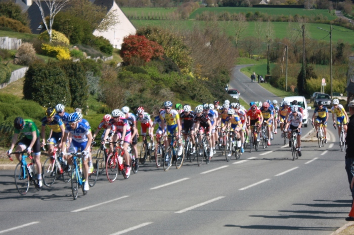 courses_cyclistes_20150412_juniors_3e_pass_1208_1200