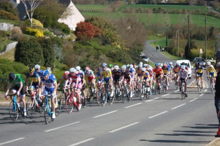 courses_cyclistes_20150412_juniors_3e_pass_1208_1200